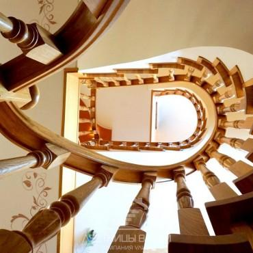 Обшивка винтовой лестницы на бетонном основании дубом г. Балашиха